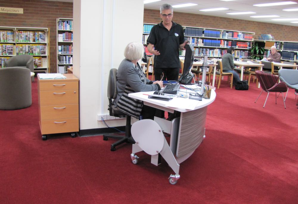 GLO 1600 is a help point, is positioned in the heart of the library.