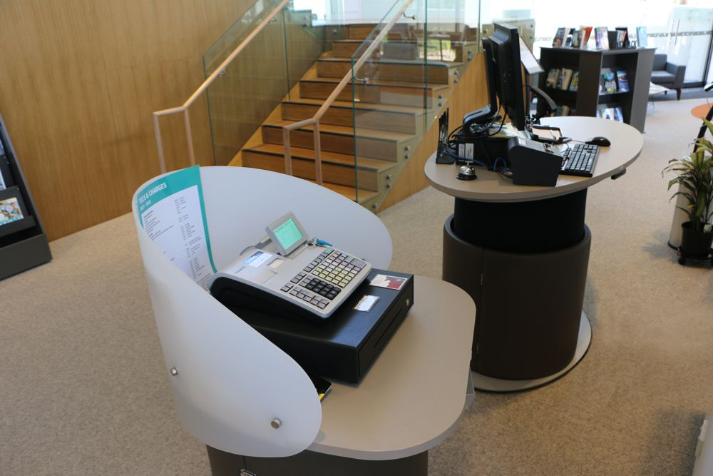 YAKETY YAK Cash / Eftpos Module teamed with YAKETY YAK Oval 1600, at Glen St Library, Northern Beaches, NSW.