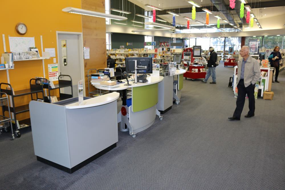 BOOKFLO BOOK RETURNS Module forms a dynamic front of house with our GLO 2000 Single Oval counters and our CASH / EFTPOS Module.