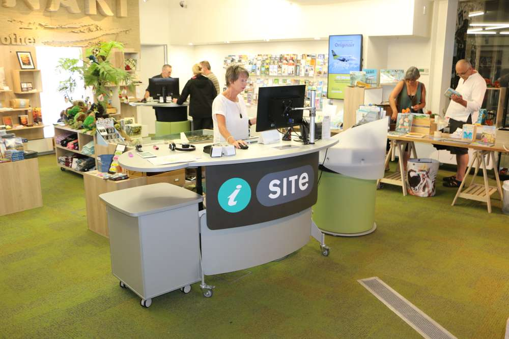 GLO 2000 Single Oval, YAKETY YAK Cash / Eftpos Module and STAND ALONE Storage Module, make a great team at Puke Ariki Museum Visitor Information.