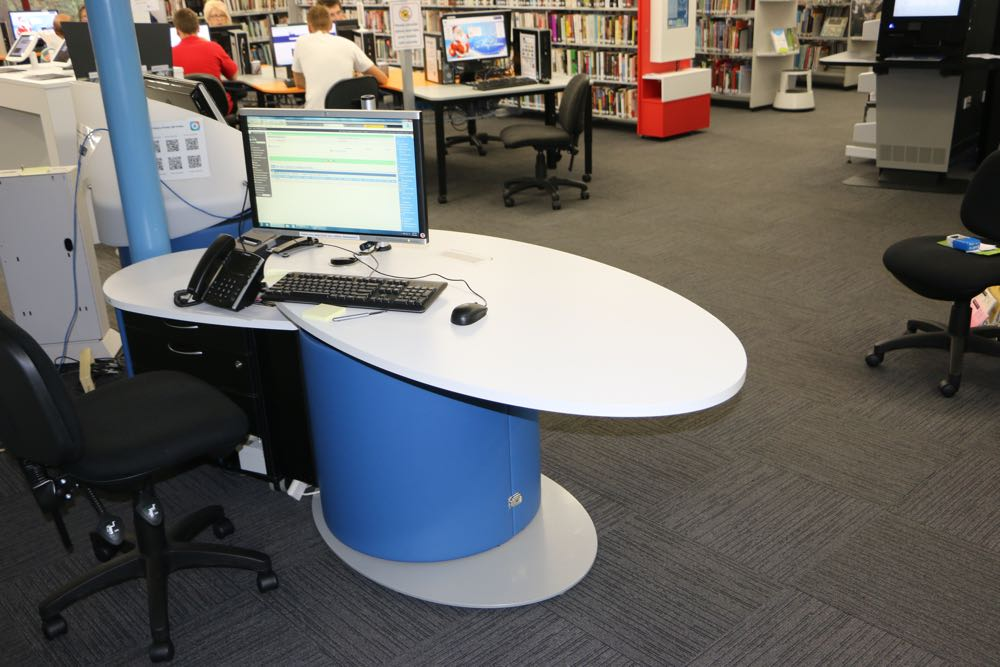 YAKETY YAK Classic Oval 1600 in the seated position, is teamed with YAKETY YAK Support Caddy, at Forster Library, NSW.