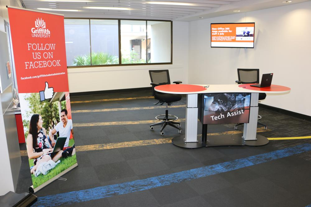 YAKETY YAK 2400 Service Island deployed as a dual IT help station, at Griffith University Nathan Campus.