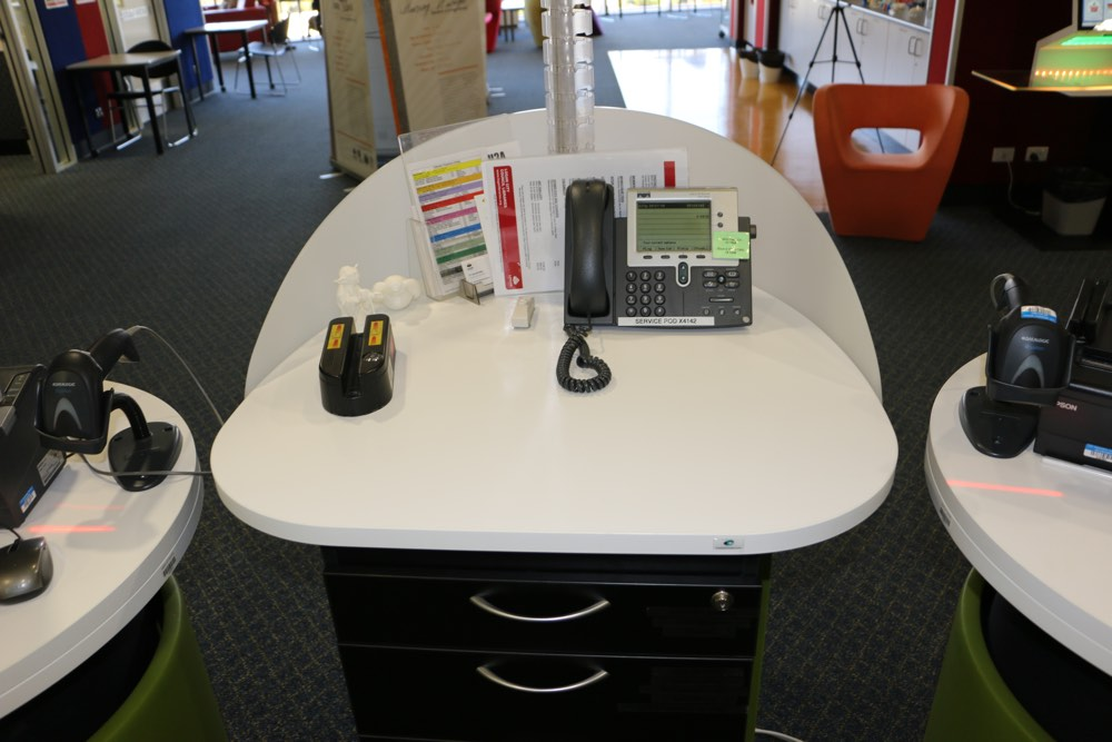 YAKETY YAK Work Module provides some extra worktop space at Logan City Council's North Library, QLD.