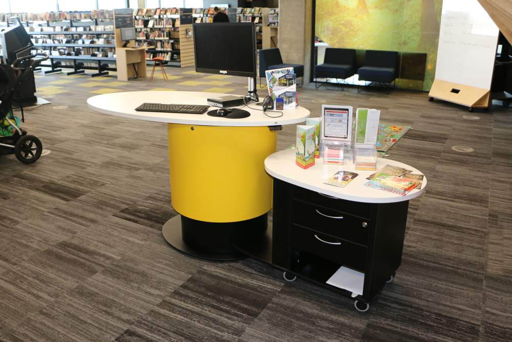 YAKETY YAK Nova Oval 1600 library pod (in the standing position), teamed with YAKETY YAK Support Caddy.