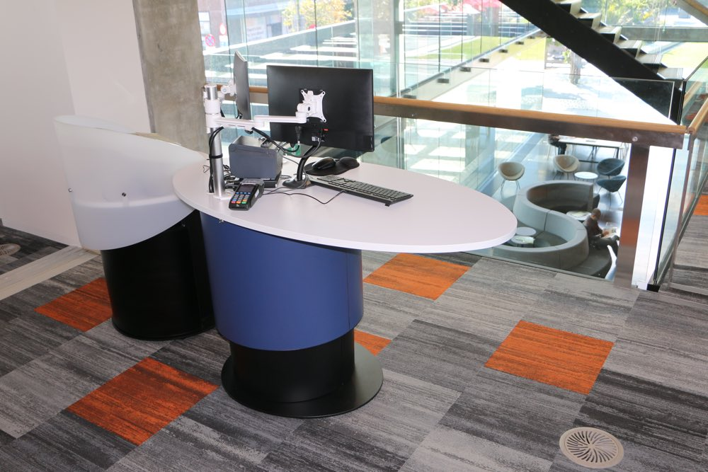 YAKETY YAK Nova Oval 1600 library pod features the longest worktop in the range allowing room for twin monitors with plenty of customer interaction space remaining.